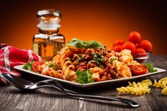 Pasta Salad, Cookware, Macaroni And Cheese, Cooking, Ethnic Recipes, Stainless Steel, Food, News, People