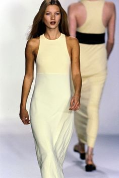 Calvin Klein Collection Spring 1996 Ready-to-Wear Accessories Photos - Vogue Source by robinjgi fashion dresses 90s Fashion, Runway Fashion, High Fashion, Fashion Show, Vintage Fashion, Fashion Outfits, Paris Fashion, Ella Moss, Kate Moss