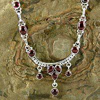 Garnet choker, 'Classic Beauty' - Sterling Silver and Garnet Necklace