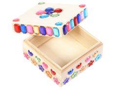 Versier dit houten sieradendoosje voor Moederdag. Maak meteen een leuk kettinkje voor mama zodat ze er iets in kan doen :) Decorative Boxes, Diy Crafts, Birthday, School, Google, Anna, Creative, Silhouettes, Birthdays