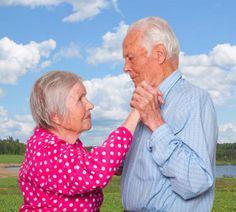Enternecedoras fotos de parejas ancianas tomadas alrededor de todo el mundo