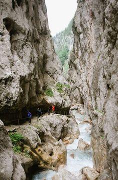 Hiking in Germany! Höllentalklamm Germany (Hell Valley Gorge) - by Tonya Engelbrecht | Boscopix Photography #germanytravel