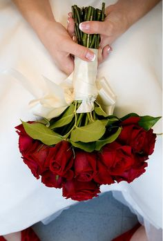 Wedding Bouquet ~ Roseshttp://girlyinspiration.com/