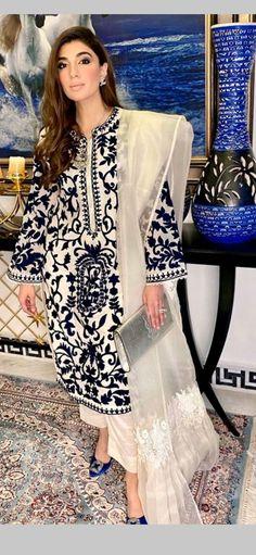 Pakistani Fancy Dresses, Pakistani Fashion Casual, Pakistani Dress Design, Pakistani Outfits, Indian Dresses, Indian Fashion, Indian Designer Suits, Designer Wear, Designer Dresses
