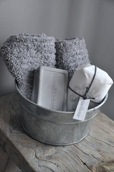 galvanized inspiration for my gray and yellow bathroom - Easy Diy Home Decor Silver Bathroom, Grey Bathrooms, White Bathroom, Ikea Bathroom, Grey Bathroom Decor, Basement Bathroom, Bathroom Styling, Modern Bathroom, Small Bathroom