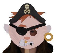 Maschera da pirata con piatti carta