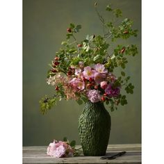 Floral arrangements and beautiful bouquets refresh the ambience - Blumen binden - Arranjos Fall Flowers, Fresh Flowers, Beautiful Flowers, Wedding Flowers, House Beautiful, Beautiful Bouquets, Pink Flowers, Beautiful Flower Arrangements, Floral Arrangements