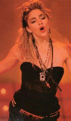 Madonna Photos, Madonna 80s, Lady Madonna, Divas Pop, Best Female Artists, 80s Trends, 80s Costume, Still Love Her, Idole