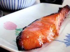 楽天が運営する楽天レシピ。ユーザーさんが投稿した「自家製!鮭のみりん焼き」のレシピページです。市販の塩鮭に、少し手をかけるだけで、お弁当屋さんのような、ほんのり甘いみりん焼きになります。実は私のお気に入りレシピ。。みりん焼き。塩さけ,みりん,しょうゆ