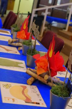 blue and gold banquet ideas | Nuestras aventuras en Texas: Blue and Gold Decoration Ideas