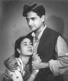 Bharat Bhushan and Chand Usmani in film Amanat Old Film Stars, Asian Photography, Indian Star, Vintage Bollywood, Old World Charm, Hindi Movies, Bollywood Stars, Unique Photo, Bollywood Actress