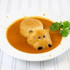 16 Adorable Animal-Shaped Bread Recipes For Kids Animal breads bring children (and adults! Take a look at these 16 adorable animal breads and their recipes: Bread Recipes For Kids, Real Food Recipes, Soup Recipes, Cooking Recipes, Animal Bread Recipe, Animal Shaped Foods, Bunny Bread, Sausage Bread, Bread Art