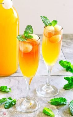 A new way to enjoy mimosas at brunch is with hard cider instead of champagne. This Cider Mimosa is a refreshing combination of Rosé Hard Apple Cider and Orange Pineapple Juice that is fresh new take on a classic! Apple Cider Mimosa, Hard Apple Cider, Cider Cocktails, Refreshing Cocktails, Summer Cocktails, Pineapple Drinks, Apple Roses, Juicing For Health, Punch Recipes