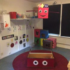 "Det ""babblar"" fram nya saker hela tiden i babbelhörnan. Toy Chest, Christmas Crafts, Preschool, Kids Rugs, Teaching, Education, Matte, Inspiration, Instagram"