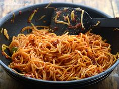chilli garlic noodles recipe | Indian style chilli garlic noodles | Indo-Chinese chilli garlic noodles | Chilli Garlic Noodles, Garlic Noodles Recipe, Ramen Recipes, Noodle Recipes, Vegetarian Recipes, Indo Chinese Recipes, Indian Food Recipes, Ethnic Recipes