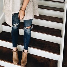 """""""Best jeans @zara the fit well, amazing price point and in my opinion look good booties are @matisse_footwear #ootd #latergram because in cleaning out…"""""""