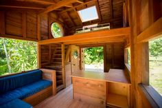Artist Jay Nelson builds salvaged redwood house in Hawaii... exterior is gorgeous too.