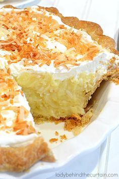 Grandma's Coconut Cream Pie Ingredients For the Pie Crust 1 perfect every time 10 minute pie crust (link below) For the Coconut Pie Filling 3 large eggs 1 cups granulated sugar cup cornstarch Sugar Cream Pie Recipe, Cream Pie Recipes, Coconut Cream Pie Filling Recipe, Pie Coconut, Coconut Custard, Coconut Cakes, Raspberry Cream Pies, Boston Cream Pie, Homemade Whipped Cream