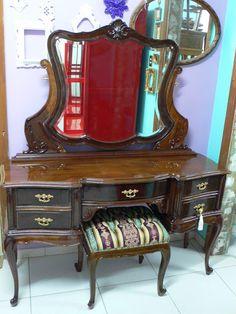 Ateliando - Customização de móveis antigos: Galeria Penteadeiras Antigas    Penteadeira Luciana - DF by Ateliando
