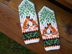 Ravelry: Woodland Foxes pattern by Natalia Moreva Fox Pattern, Mittens, Ravelry, Woodland, Knitting Patterns, Gloves, Crafts, Shawls, Knits