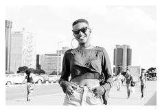 https://flic.kr/s/aHskp8gW4m | Projeto Comportamento - Brasilienses | Projeto Comportamento desenvolvido em 1º de maio de 2015, feriado nacional do dia do trabalhador. O projeto contou com a parceria do Lucas Bastos Antunes.  A série conta com 45 fotografias aleatórios e espontâneos do cotidiano brasiliense em pleno feriado nacional.