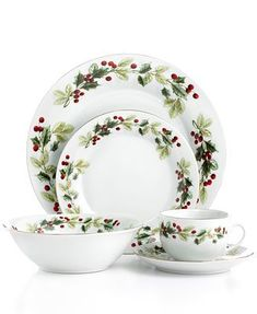 NEW 20 Piece Porcelain Dinnerware Set Poisettia Ribbons by Home Essentials Christmas Dinner Plates, Christmas China, Christmas Tea, Elegant Christmas, Merry Christmas, Gibson Dinnerware, Porcelain Dinnerware, Dinnerware Sets, Classic Dinnerware