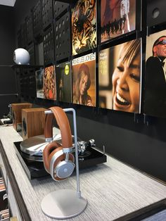 bei uns im mo sound store gibt es ausgewähltes audio equipment.  come and have a look! Audio, Store, Beautiful, Record Player Table, Larger, Shop