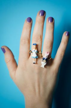 Quirky-Rings-Les-Nereides-Alice-in-Wonderland-Ring-1