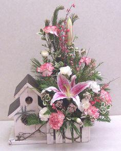 Christmas Flower Arrangements | Christmas gifts - Sample of a Christmas flower arrangement in a ...