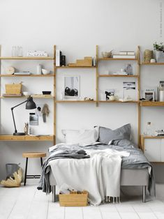 A dreamy ikea bedroom & workspace Bedroom Workspace, Ikea Bedroom, Home Bedroom, Bedroom Decor, Room Interior, Interior Design Living Room, Living Room Designs, Svalnäs Ikea, Men's Bedroom Design