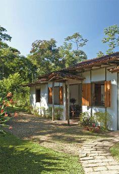 Selecionamos 80 casas em que o personagem principal é o próprio telhado, que define o estilo da arquitetura