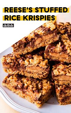 People Will Lose Their Minds Over REESE'S STUFFED Rice Krispies TreatsDelish Rice Krispy Treats Recipe, Rice Crispy Treats, Cereal Treats, Cereal Bars, Sweet Recipes, Bar Recipes, Fudge Recipes, Candy Recipes, Deserts