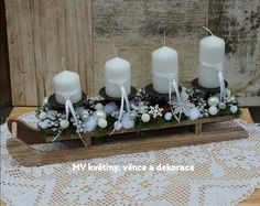 Christmas Centerpieces, All Things Christmas, Anna, Table Decorations, Garden, Candles, Manualidades, Dining Table, Cute Ideas