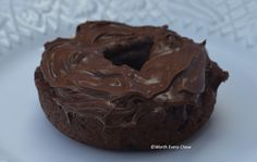 Chocolate Protein Donuts Serving size: 1 Doughnut w/1 T Frosting Calories: 109 Fat: 5g Carbohydrates: 3.8g Protein: 12g