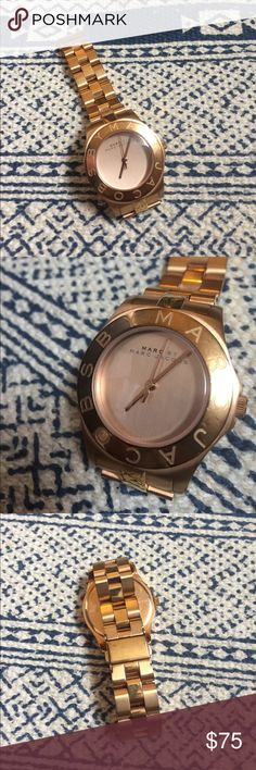Rose gold Marc by Marc jacobs watch Rose gold Marc by Marc jacobs watch. Need a battery, just have had the time to get it done. Great condition. Make an offer 💙 Marc By Marc Jacobs Accessories Watches