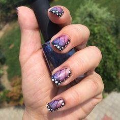 Butterfly nails... Nail polish used were ILNP Honor Roll, ILNP Paige, ILNP Flower Girl.