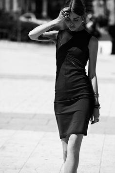 Tendencias de moda para las noches de primavera: vestido elástico