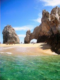 Quisiera ir a San Jose, Costa Rica. Nadaria en las aguas claras.
