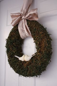 Such a cute moss wreath!