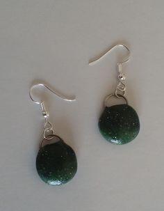 """#Ohrringe """"dark green"""" #Ohrschmuck #Schmuck  #pendientes """"dark green"""" #joya  #Earrings """"dark green"""" #Jewellery Jewelry Shop, Jewelry Accessories, Handmade Jewelry, Art Gallery, Ootd, Drop Earrings, Friends, Winter, Gifts"""