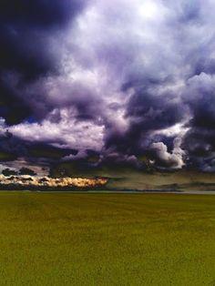 Nubes presagiando tormenta. Vezdemarbán, Zamora, Espanya