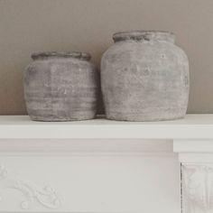 Leuke potten ontdekt #kwantum #schouw #fb #betonlook #interieur #koesfabriek #styling #inrichten #home #b&b #landelijkesfeer