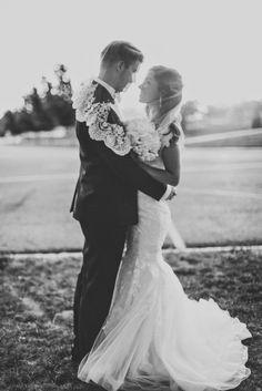 Brautpaar Hochzeit #Zeitschriftmachen #Hochzeitszeitung #Brautpaar #persönlichesGeschenk www.jilster.de