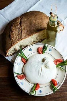 Burrata (fresh Italian cheese made from mozzarella & cream)