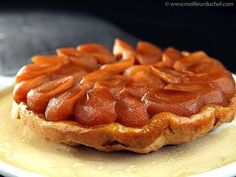 One of the goods things about the fall: plenty of fresh juicy apples. Another good thing: goodbye fruitsalads! Tarte Tatin - photo courtesy of Meilleur du Chef French Desserts, Apple Desserts, Köstliche Desserts, French Food, Delicious Desserts, Dessert Recipes, French Tart, Pastry Recipes, Tart Recipes