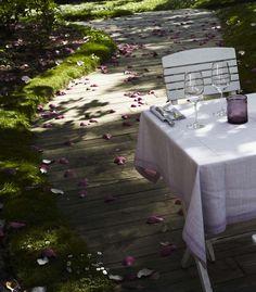 Esta mesa es mágica! / Feel the Magic! Fotografía: María Gorbeña
