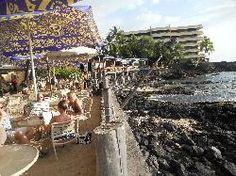 Huggo's On The Rocks - Great mai tais and awesome place to watch the sun set. Kona Restaurants, Date Night Restaurants, Kona Hawaii, Kailua Kona, Hawaii 2017, Kona Island, Big Island Hawaii, Oahu, The Rock