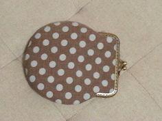 Egg shape clip purse
