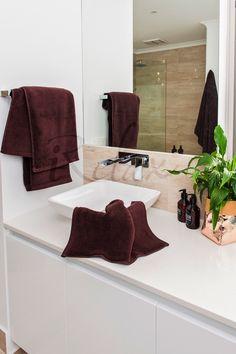 Chocolate Ultra Fine Cotton Towels #UltraFineCotton #BespokeBathSet #PerfectGift #ForHer #ForHim #LuxuryTowels #MadeInTurkey