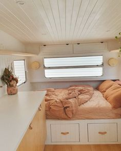 Looking for travel trailer remodel ideas? We have found some of the best caravan renovation ideas and put them all into one great post. Caravan Renovation Diy, Diy Caravan, Caravan Living, Caravan Decor, Caravan Makeover, Retro Caravan, Home Renovation, Caravan Interiors, Caravan Ideas